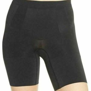 SPANX SS6615 Women's OnCore Mid-Thigh Short Shaper